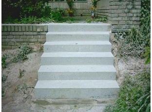 Protiskluz na schody