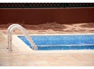 Bazénová stěrka, která opravdu těsní