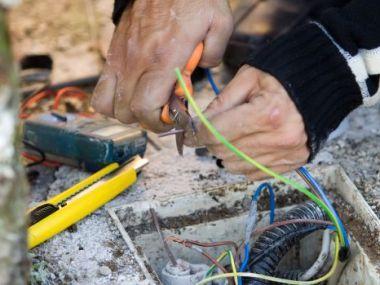 Logo Revize elektrických spotřebičů jsou nezbytné