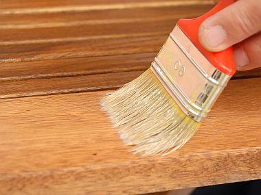 Jak opravit poškozené desky stolů