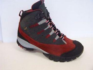 Trekkingová obuv vás ponese