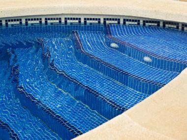 Logo Nechte si bazén obložit keramikou