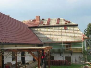 Logo Rekonstrukce střechy vyžaduje komplexní přístup