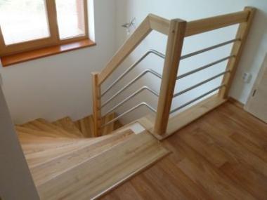 Logo Krásné aelegantní schodiště pro váš domov