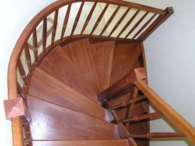 Logo Dřevěná schodiště pro bydlení vsouladu spřírodou