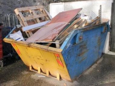 Potřebujete dopravit stavební materiál nebo odvézt odpad?
