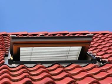 Logo Proč potřebují střešní okna stínící techniku