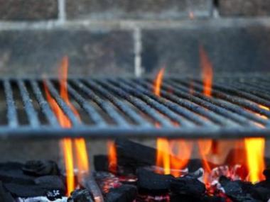 Logo Nezapomínejte nazahradách nakvalitní ohniště!