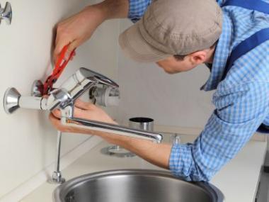 Montáž vodoinstalace a topení nechte na odbornících