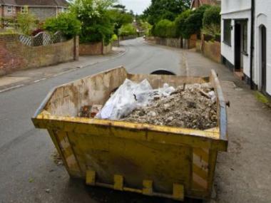 Rychlá přeprava stavebního materiálu a odvoz suti