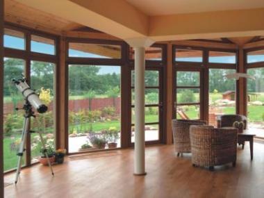 Dřevěná okna pro pohodu domova budou slušet i vašemu domu