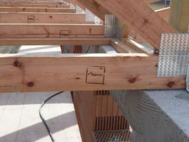 Kdy jsou příhradové vazníky vhodnější než tradiční krov?