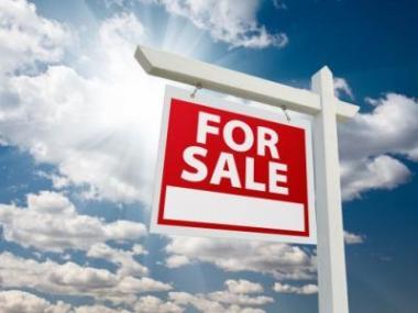 Logo Když hypotéku, tak jedině sakční cenou