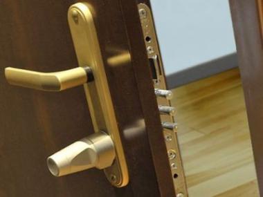 Logo Jak poznáme kvalitní bezpečnostní dveře