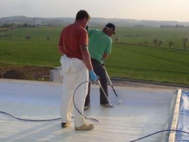 Zjednodušte si život a zateplete nejen plochou střechu