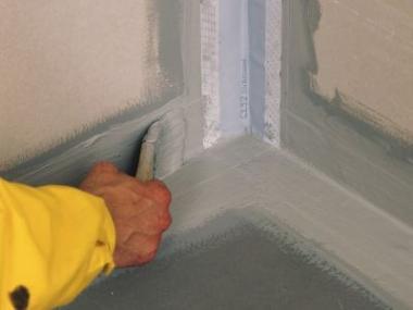 Ochraňte podklad pod dlaždicemi před vlhkostí