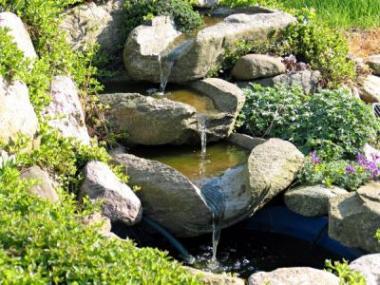 Potůček, kaskádu či fontánu? Važte si vody v zahradě!