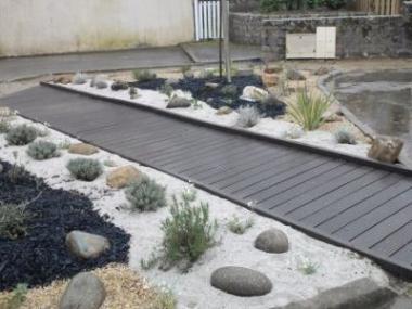 Logo Plastová terasa odolá dešti, mrazu iotěru