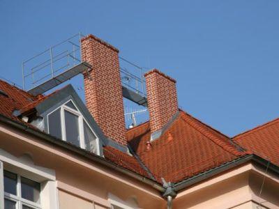 Logo Teprve poodchodu klempíře je střecha hotova