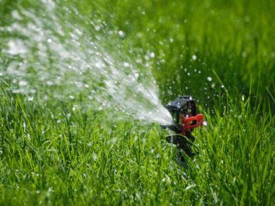 Automatický zavlažovací systém usnadní práci na zahradě