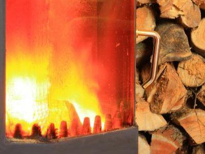 Jakým dřevem topit?