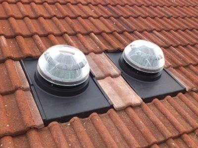 Jak si stojí světlovody v porovnání se střešními okny?