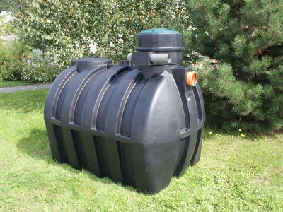 Výrobky pro hospodaření s vodou z rotačně tvářených plastů