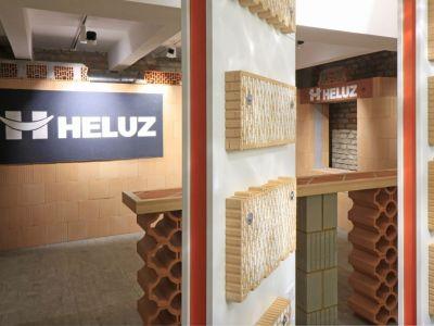 Logo V pražském Karlíně se otevírá nové studio bydlení adesignu
