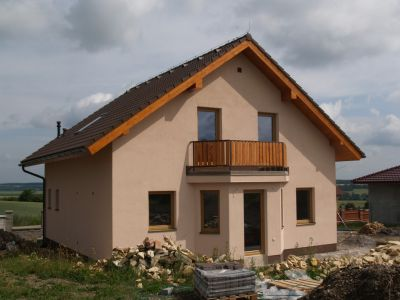Logo Chytré materiály atechnologie pro bezproblémovou stavbu rodinného domu