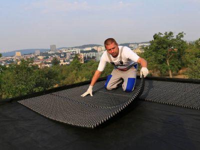 Lehký a nenáročný systém pro zelené střechy Urbanscape