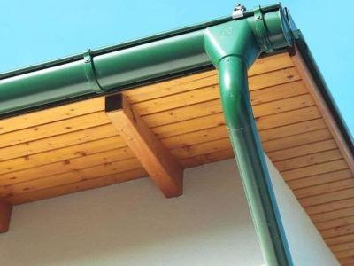 Neotřelá akce na klempířské prvky střechy