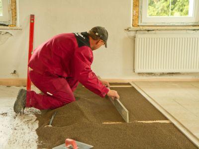Rychlé vyrovnání podlahy bez betonu a bez stěrkování