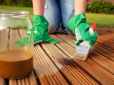 Jak pečovat o dřevěný zahradní nábytek