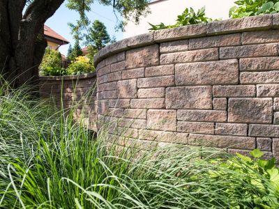 Jak snadno postavit plot a opěrnou zeď