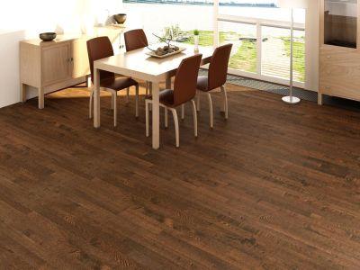 Kvalitní dřevěná podlaha dýchá, nevrže a voní. A skvěle se po ní chodí!