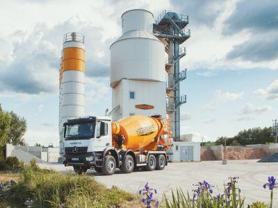 Logo Představujeme největšího ryze českého výrobce čerstvého betonu