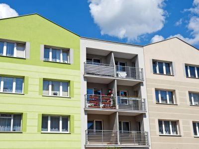 Logo Rostou ceny bytů iúrokové sazby, přistup kvlastnímu bydlení se dál zhoršuje