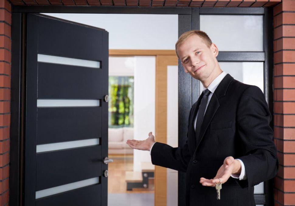 Logo Chcete si dobře prověřit realitní kancelář? Zaměřte se ina její makléře!