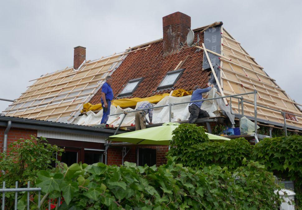 Logo Známe způsob, jak rychleji ušetřit třeba nanovou střechu