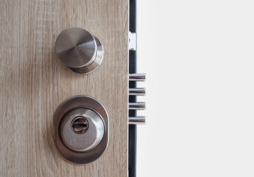 Logo HT dveře -bezpečnostní dveře pro developery idomácnosti