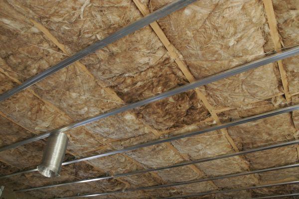 Vata na zateplení stropu