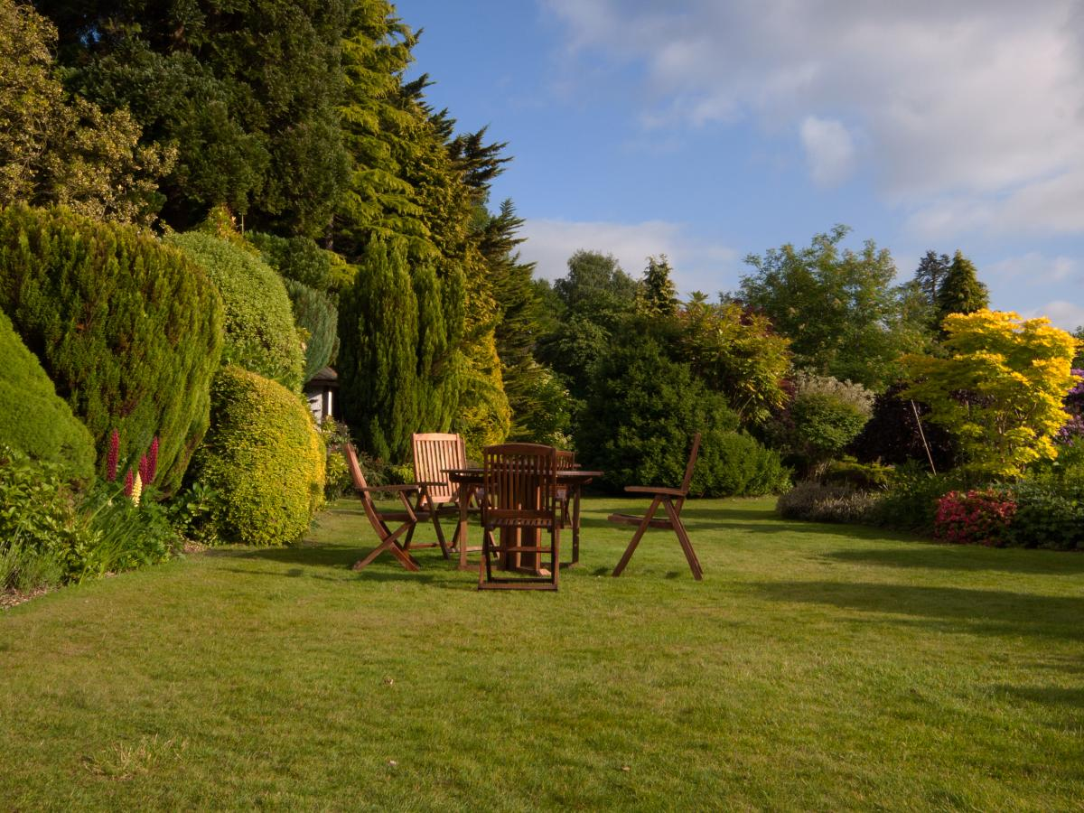 Inspirujte se anglick mi zahradami for Entretien de jardins 08300