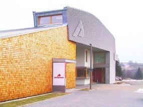 Foto Vstupní objekt firmy Sporten a.s., Nové Město na Moravě.