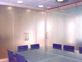 Foto A.T.A. technik spol. s.r.o. - automatické dveře, vrata, prosklené stěny.