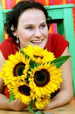 SLUNEČNICE. Foto Holandská květinářská kancelář.