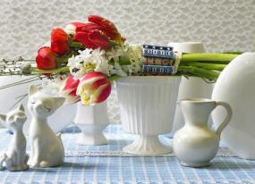 Foto Holandská květinářská kancelář. Tulipány, pryskyřník a hyacinty