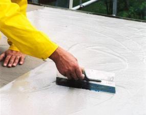 Foto Cemix - Superflex D1 roztírání na balkoně