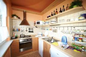 Foto Harmonie bydlení s.r.o. Realizovaný byt, kuchyň.