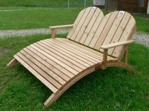 Dřevěné lehátko
