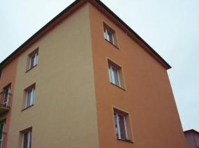 Foto: URBANSTAVBY, zateplení bytového domu v Chropyni